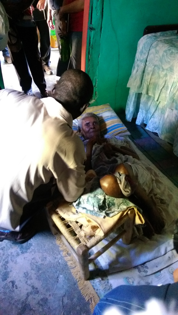 Another wonderful Sunday afternoon to visit the elderly, and shut-ins!  This poor women has been unable to walk for a long time. Her daughter is completely dedicated to caring for her ill mother, and does it with such a joyful attitude! She was such an inspiration!