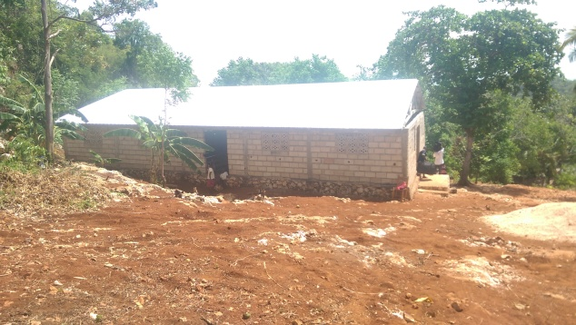 Done! The community of Maroulette now has a new roof.